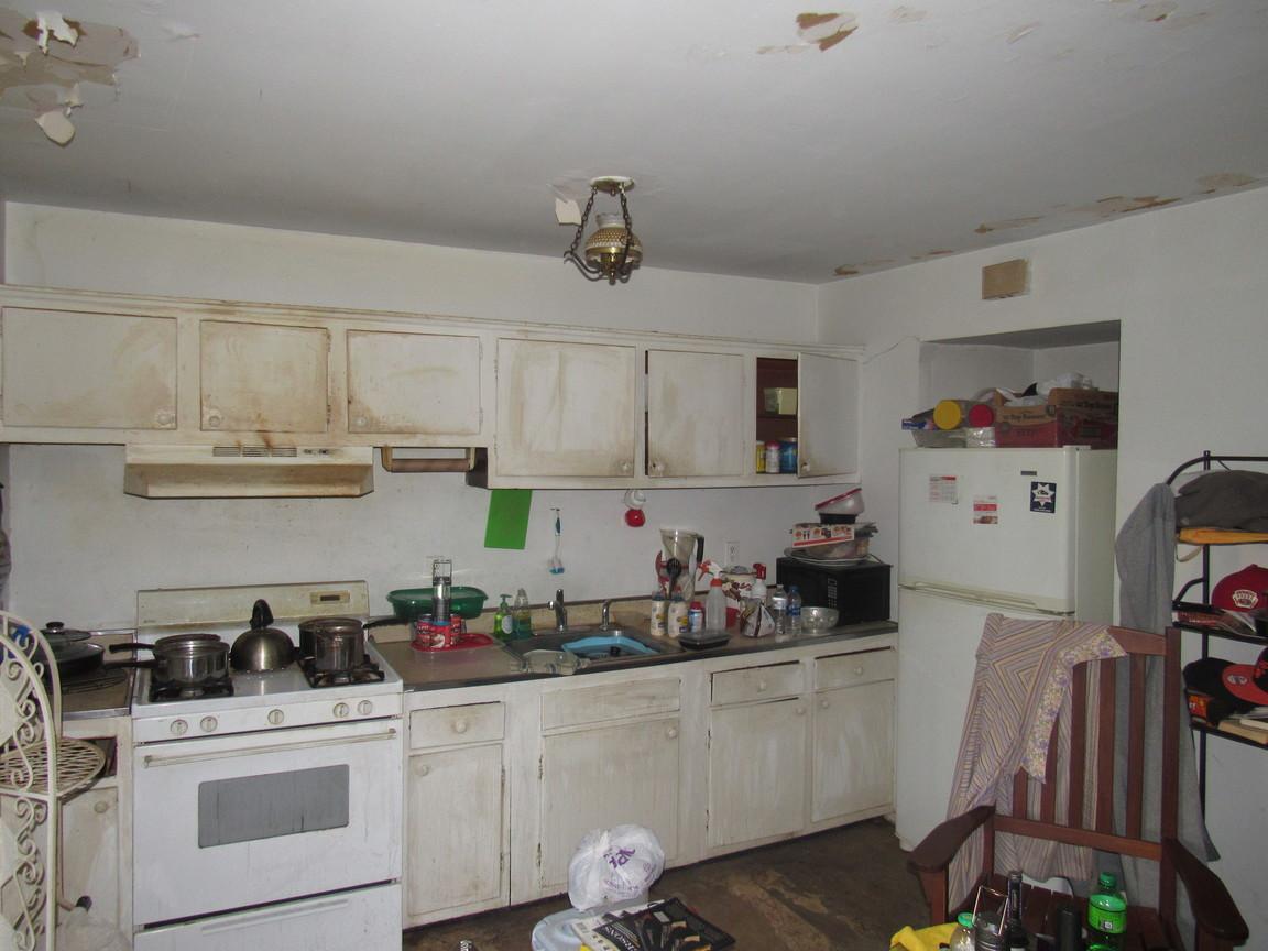 05 KitchenJPG.jpg
