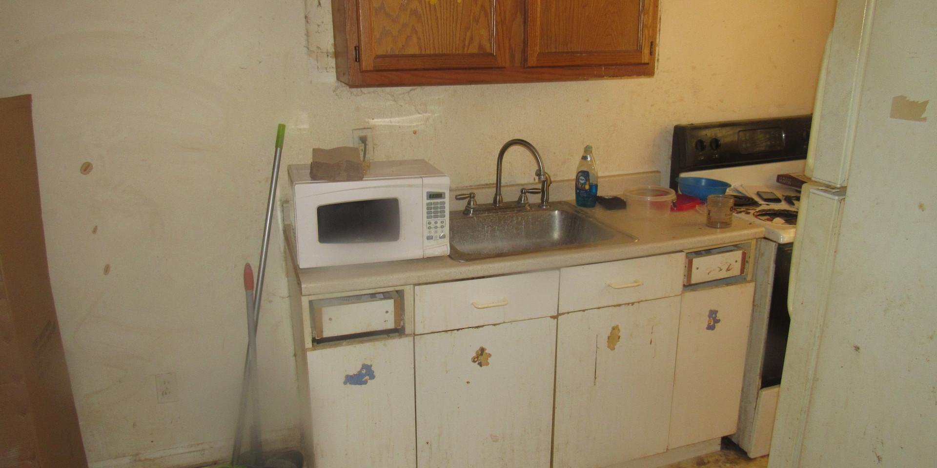 04A Kitchen 20.JPG