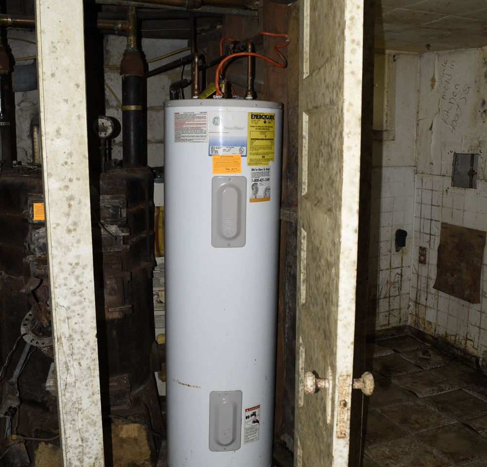 28.0 Basement Apartment Hot Water Heater