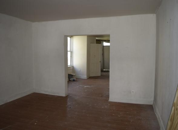 002 Living Room.JPG