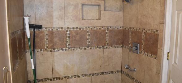 310 Bathroom apt 2.jpg