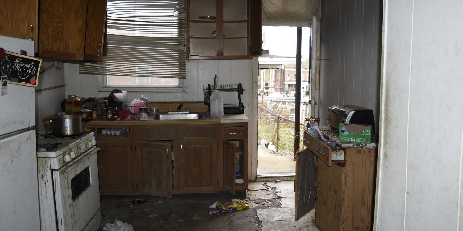 004 Kitchen 3.jpg