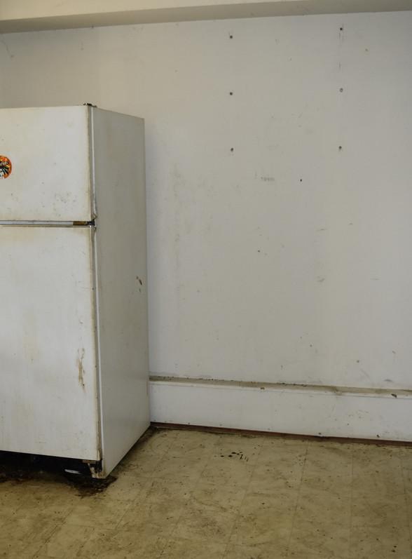 420 Kitchen.jpg