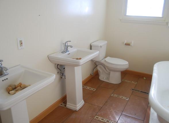 14.6 Second Level Hallway Bathroom.jpg