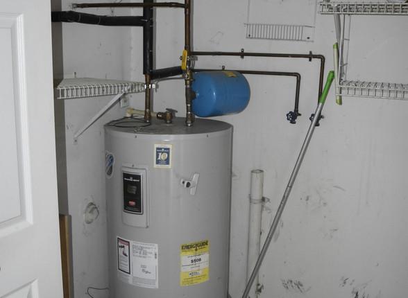 0021 Hot Water HeaterJPG.jpg