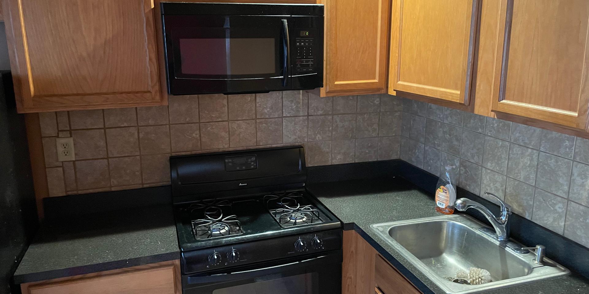 04 - Kitchen.jpg