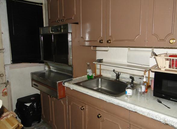 05 - Kitchen 4.JPG