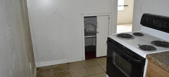 008 Kitchen (Apt 1).jpg