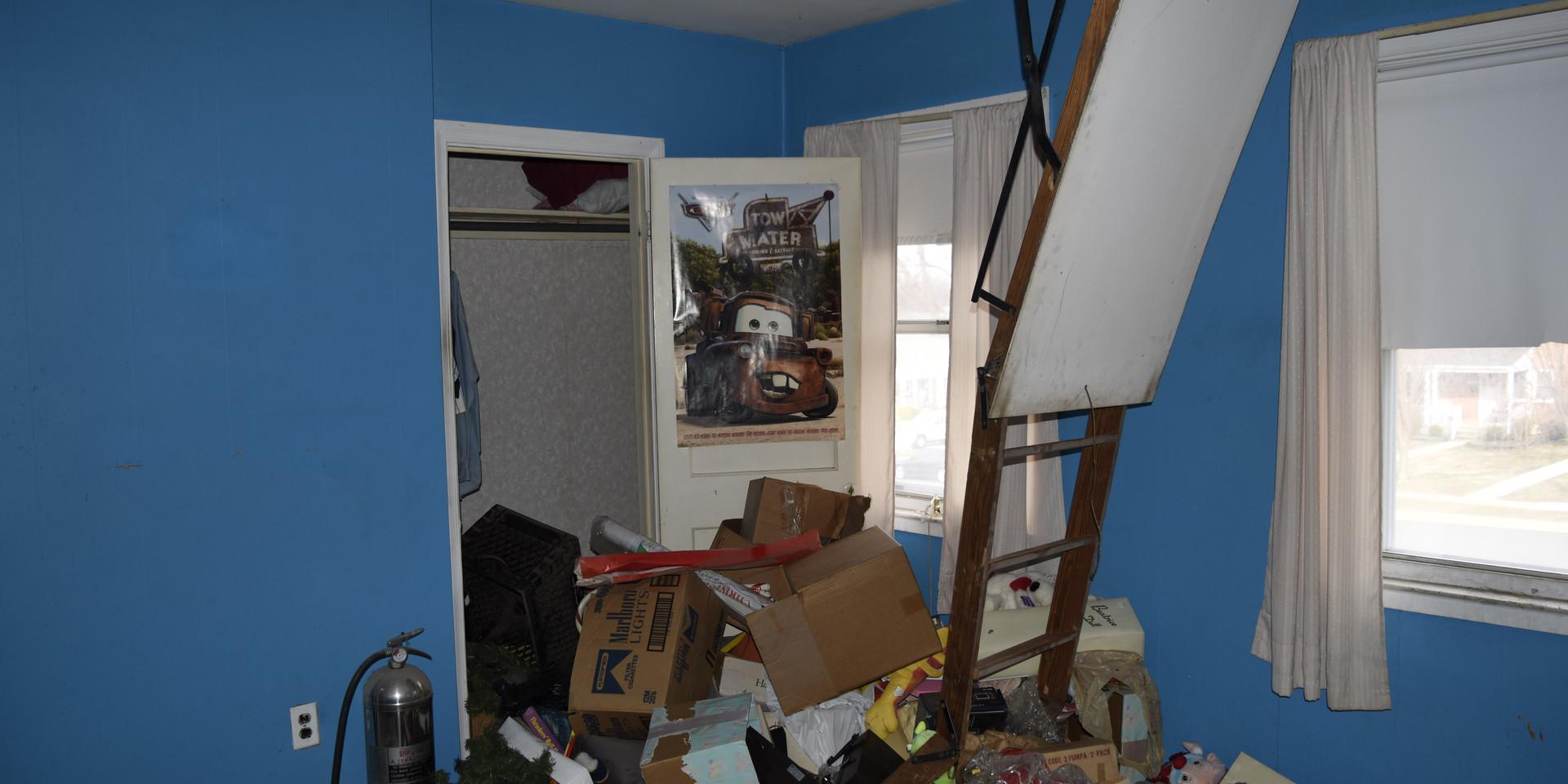 08 Master Bedroom.JPG