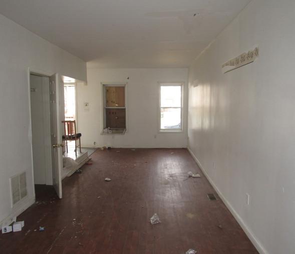 09 Living Room - Dining Room.JPG
