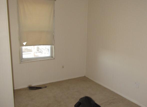 13 Bedroom 1B.JPG