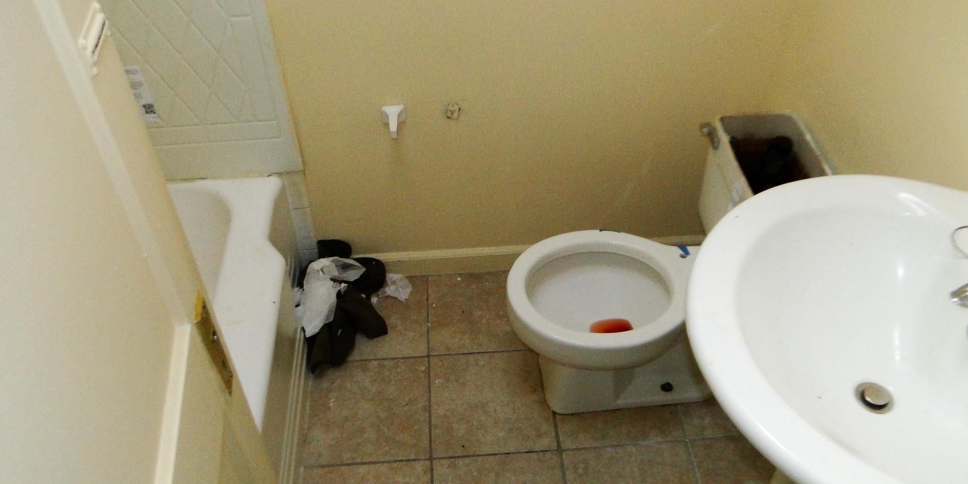 11 Bathroom 3.JPG