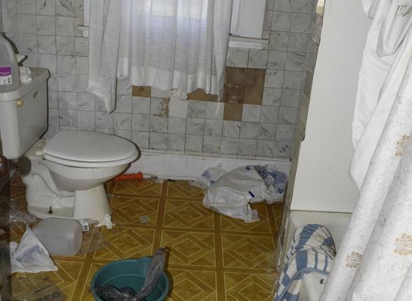 29.0 Apartment 2 Bathroom.jpg