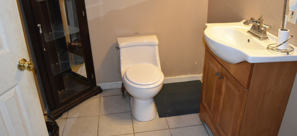 320 Bathroom Apt 2.jpg