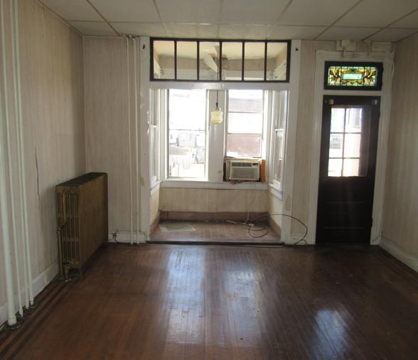 150 Sitting Room.JPG