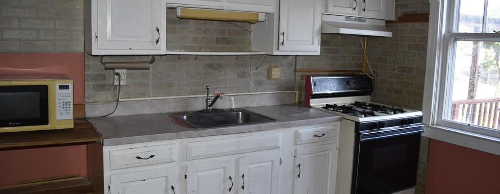 08 KitchenJPG.jpg