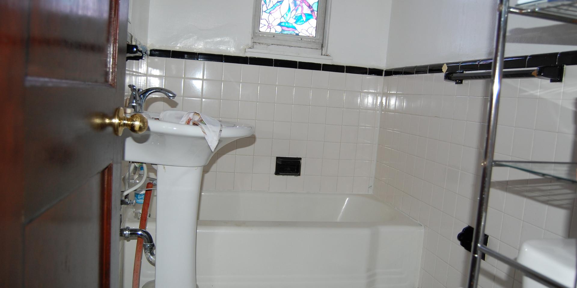 6.3 Full Bathroom.JPG