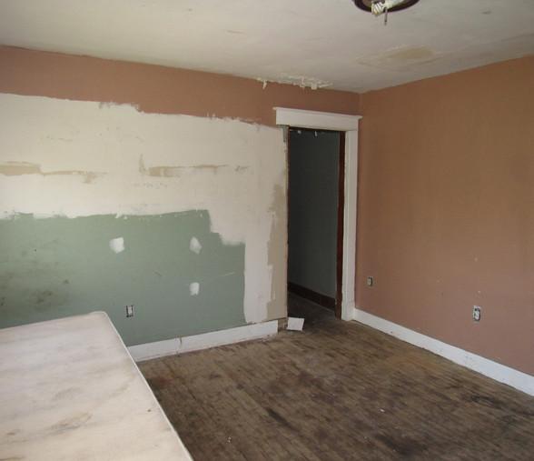 200 Bedroom 3 UpperJPG.jpg