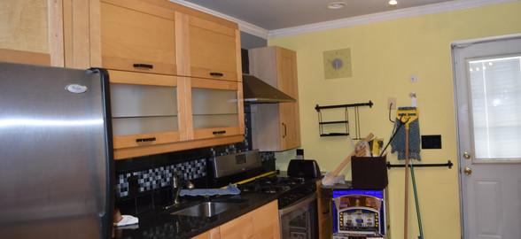 180 Kitchen Apt 1.jpg