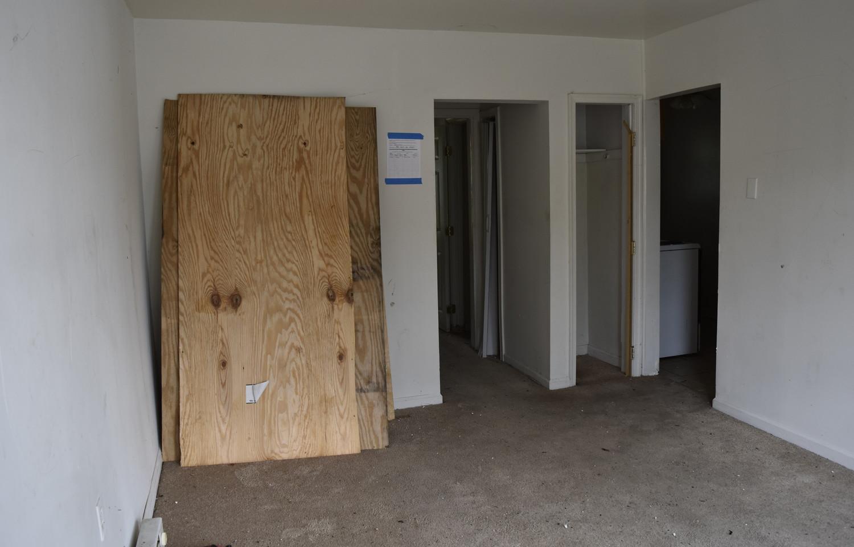 004 Living Room (Apt 1).jpg