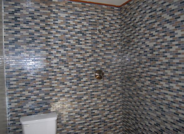 7.4 Main Level Full Bath.jpg