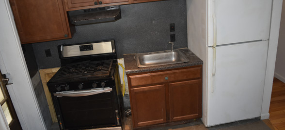 Unit 1 Kitchen.JPG