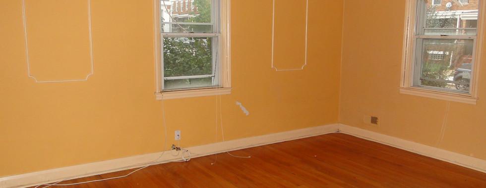 05 - Living Room 3.JPG