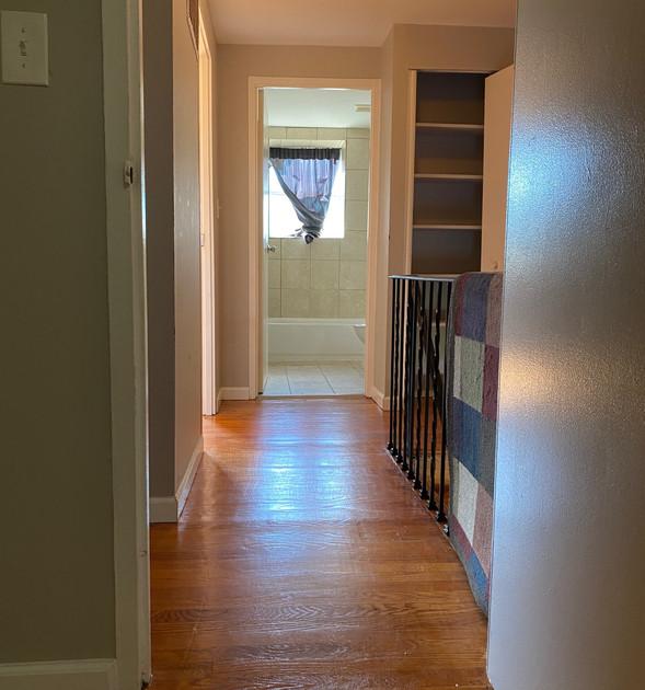 11 Upstairs Hall.jpg