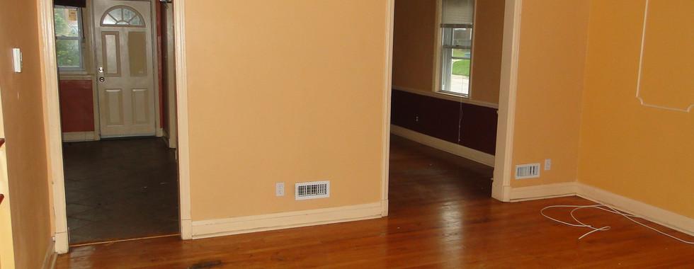 06 - Living Room.JPG
