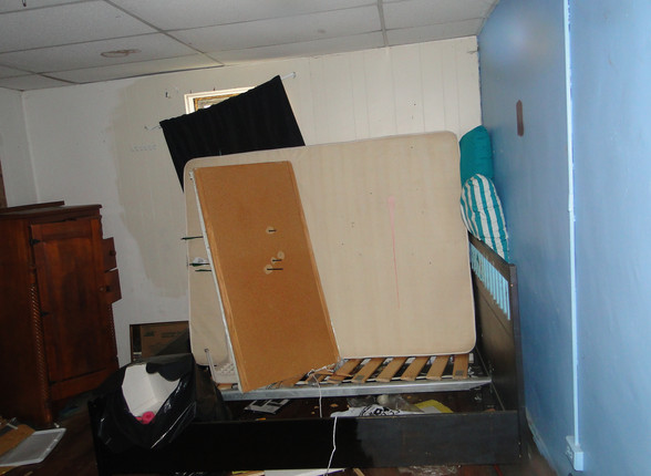 06 - Master Bedroom 1.JPG