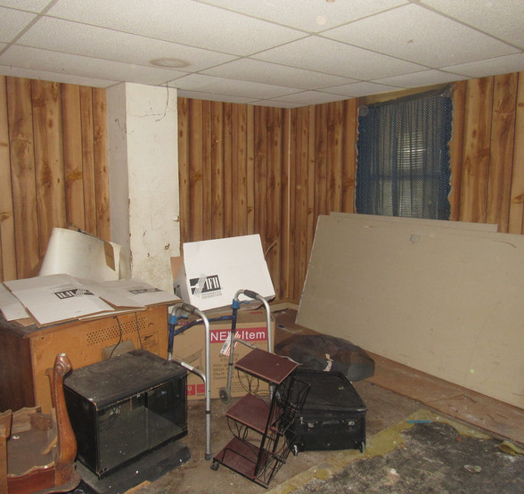 190 - 1527 Living Room.jpg