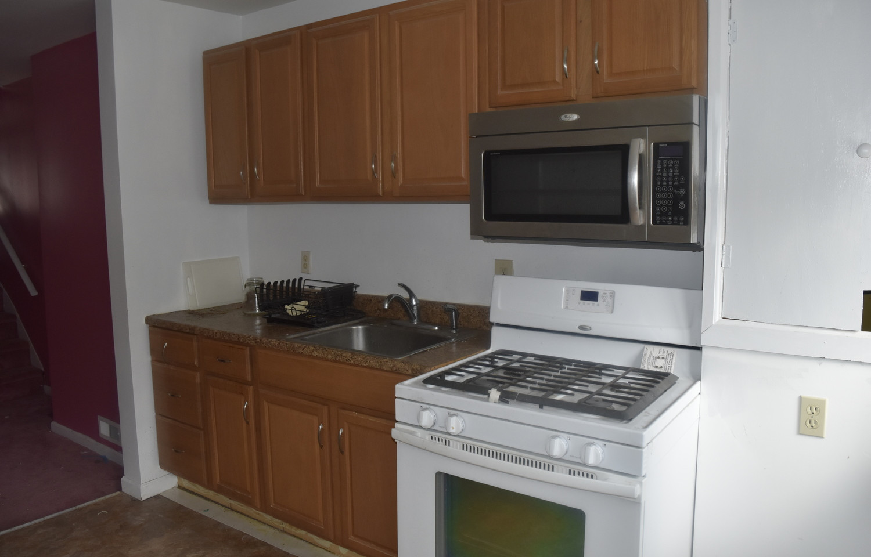 120 KitchenJPG.jpg