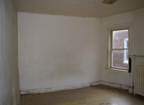 12 Guest Bedroom.JPG