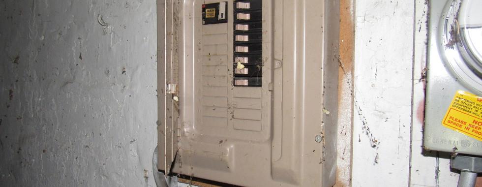 190 Electric panelJPG.jpg