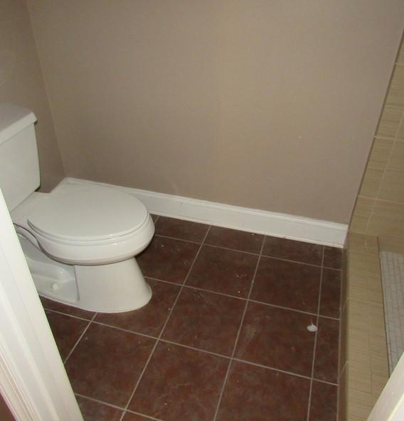 350 BathroomJPG.jpg
