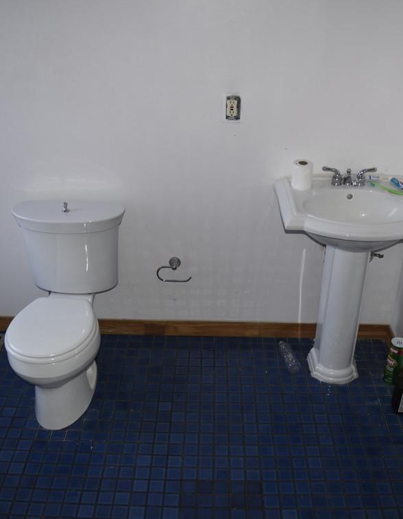 7.7 Master Bathroom.JPG