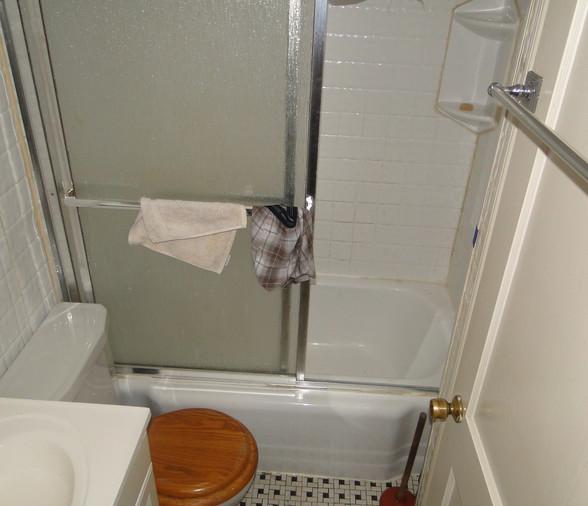 15 - Bathroom.JPG