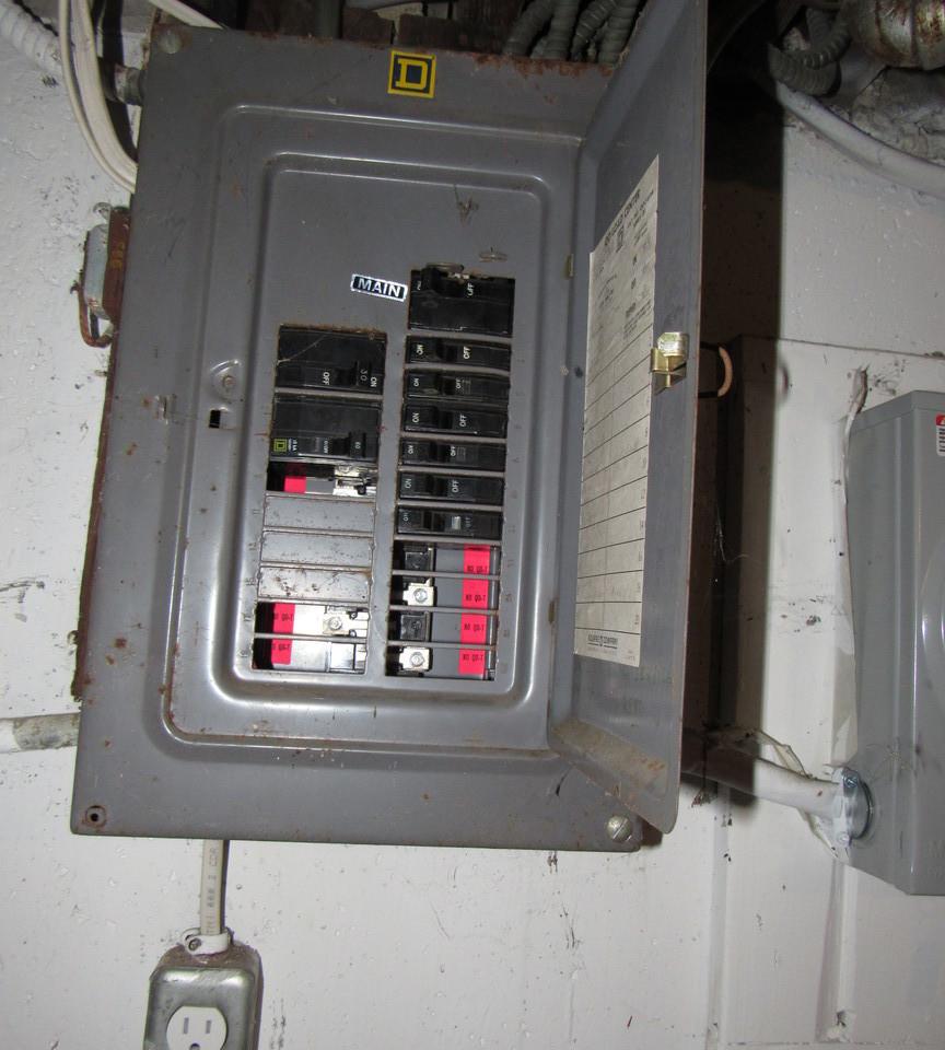 240 Electric PanelJPG.jpg