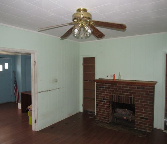 09 - Living Room Area A.JPG