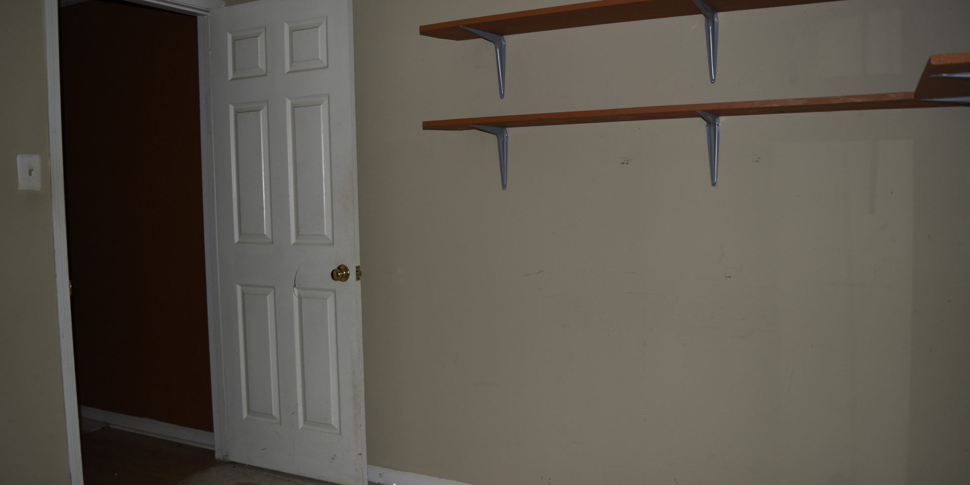 040 Guest Bedroom 1.2.JPG
