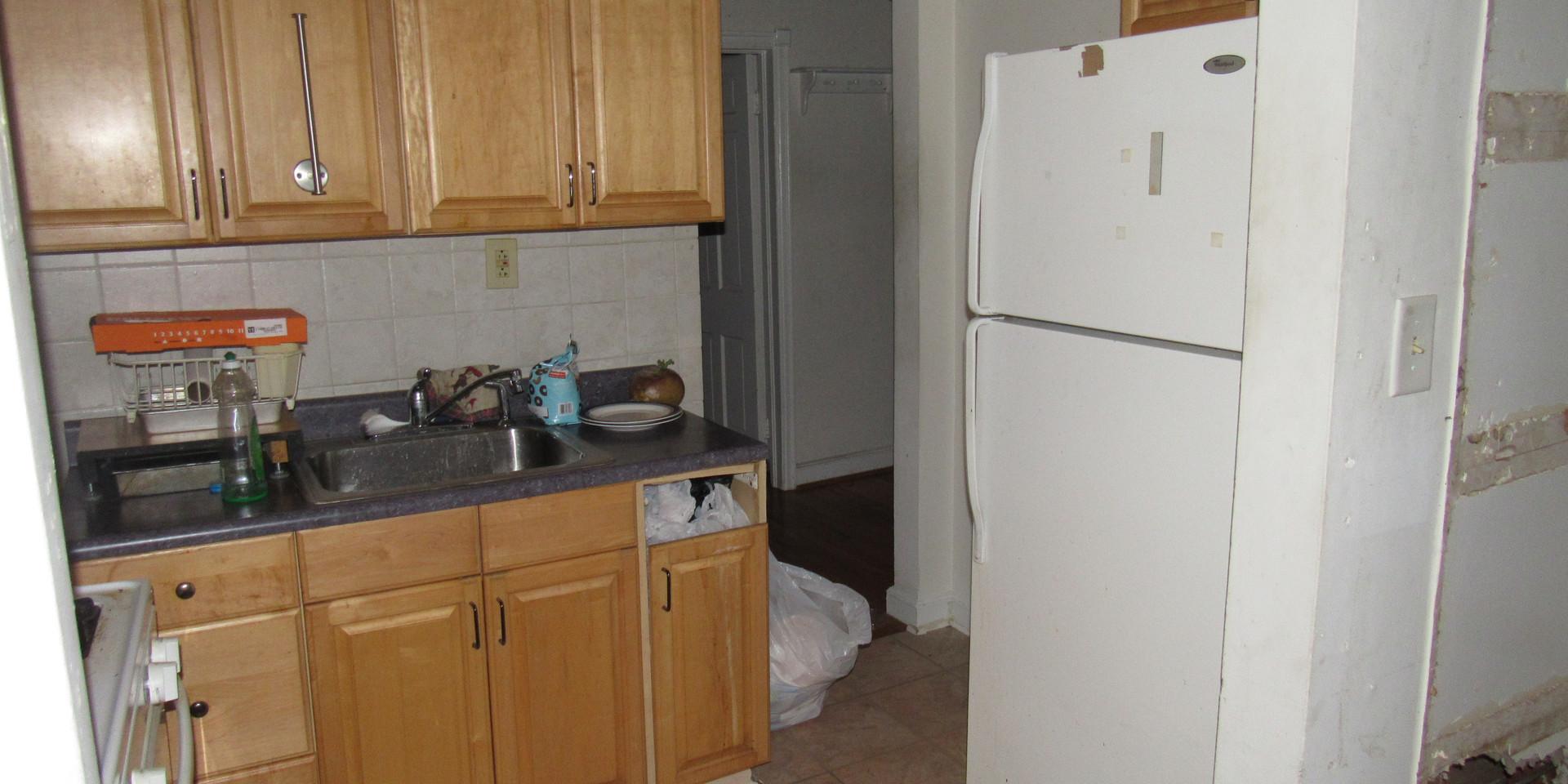 160 Kitchen.JPG