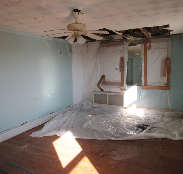 Id Upstairs Bedroom2.JPG