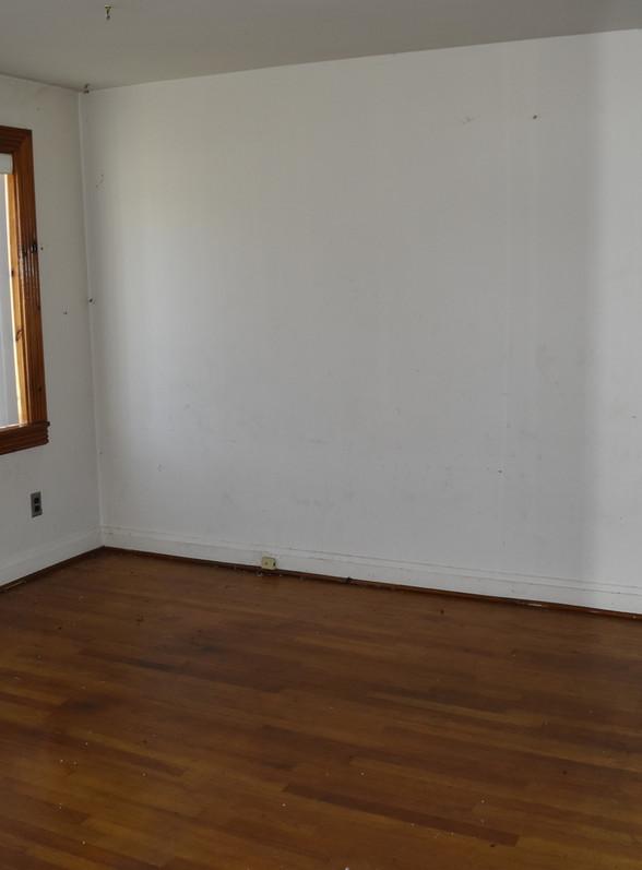 100 Living Room.jpg