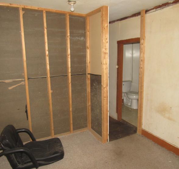 130 -1525 Bedroom 2CJPG.jpg