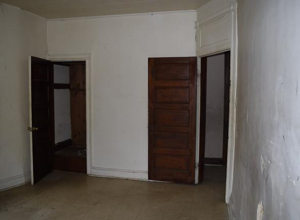 14 Guest Bedroom.JPG