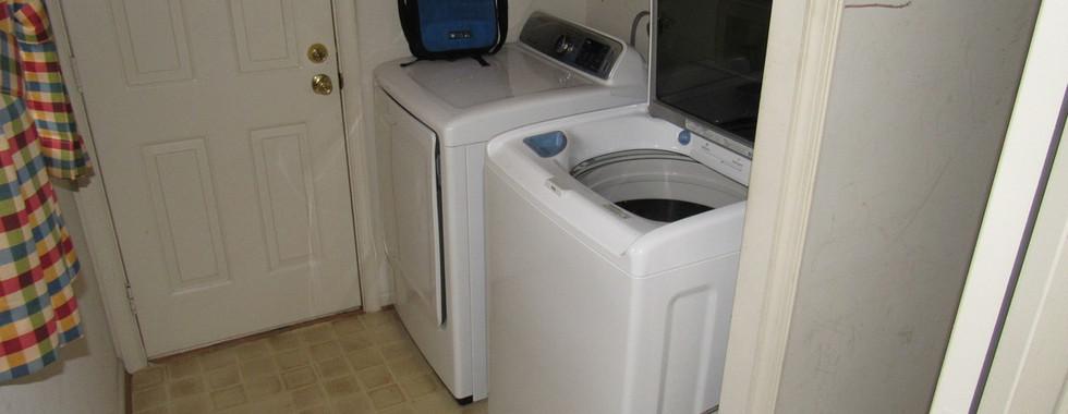 180 Laundry RoomJPG.jpg