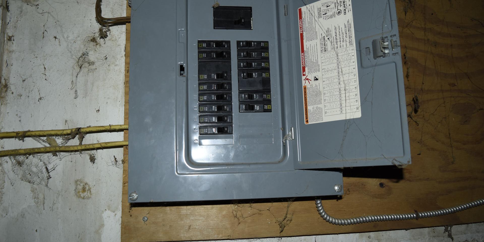 029 Electric Panel.JPG