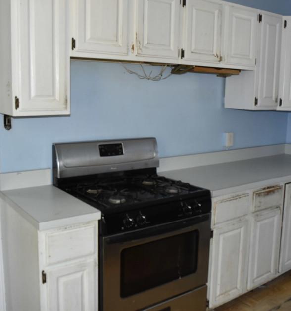 110 KitchenJPG.jpg