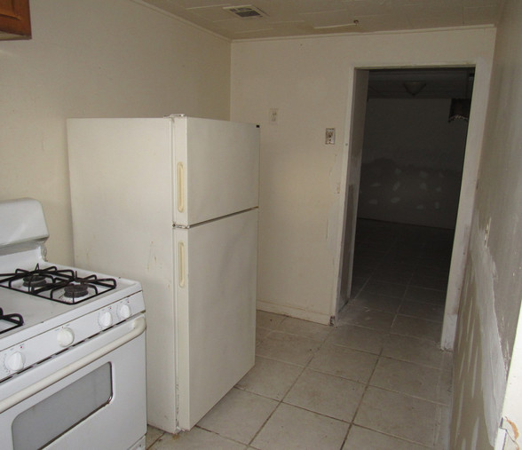 130 Apt 1 KitchenJPG.jpg