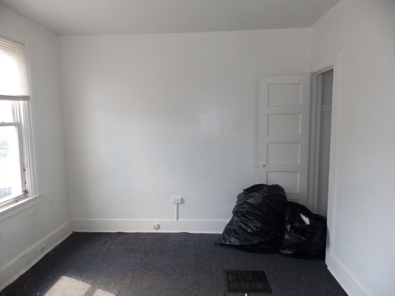 09 - Bedroom 1.JPG